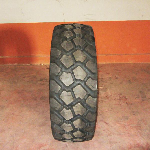 Neumáticos-Industriales-Poveda 335/80 R20