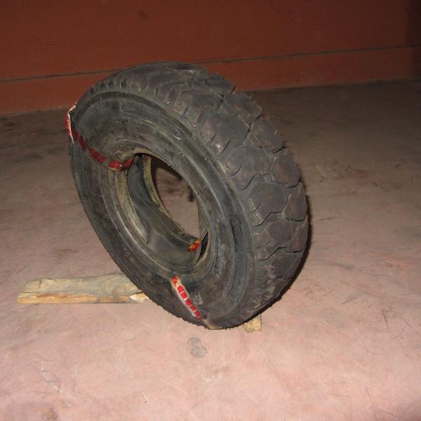 Neumáticos-Manutención-Poveda 5.00-8