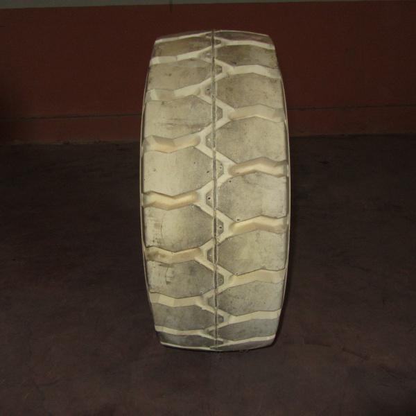 Neumáticos-Manuntención-Poveda 27x10-12