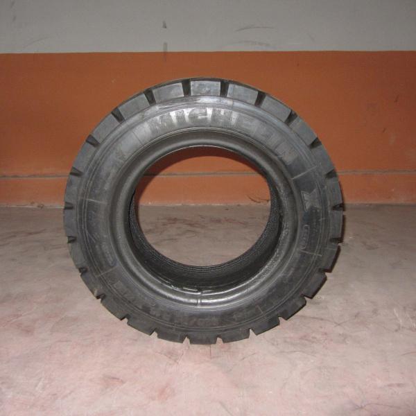 Neumáticos-Manuntención-Poveda 28X9 R15