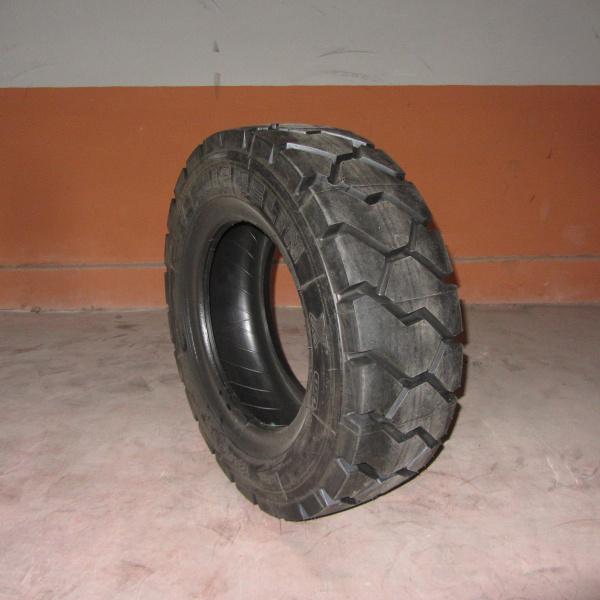 Neumáticos-Manunteción-Poveda 28X9 R15
