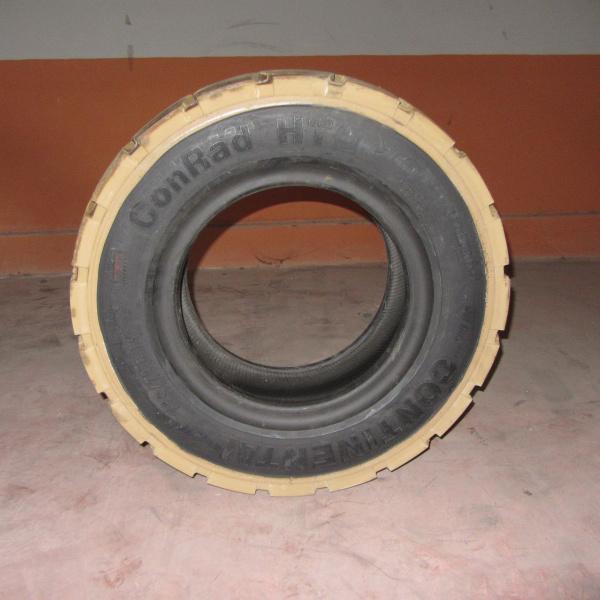 Neumáticos-Manutención-Poveda 25.0 R15